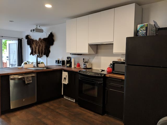 Remodel just competed Hidden Parkside Condo