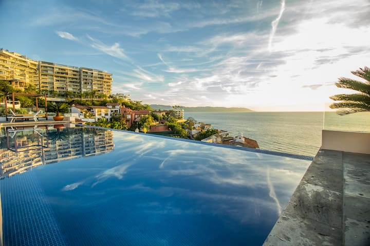 Los Muertos/ Ocean View/ Steps beach/ 1+ bed 2 Bth - Puerto Vallarta - Apartment