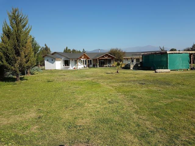 Casa Grande, 7 dormitorios, 6 baños, sector campo
