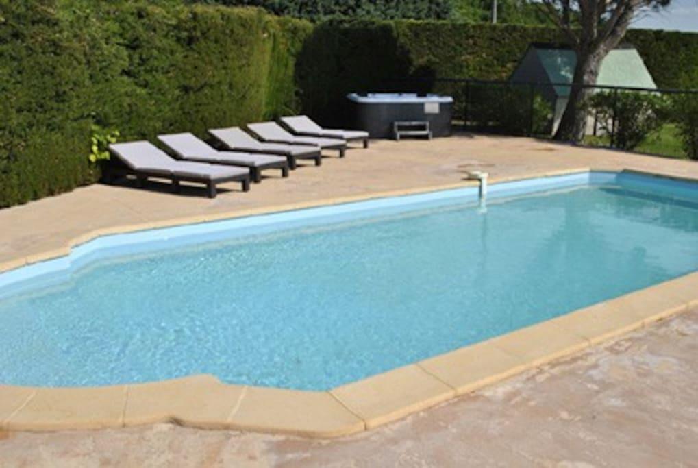 Gite 5 personne avec piscine et jacuzzi appartements for Piscine 2 alpes