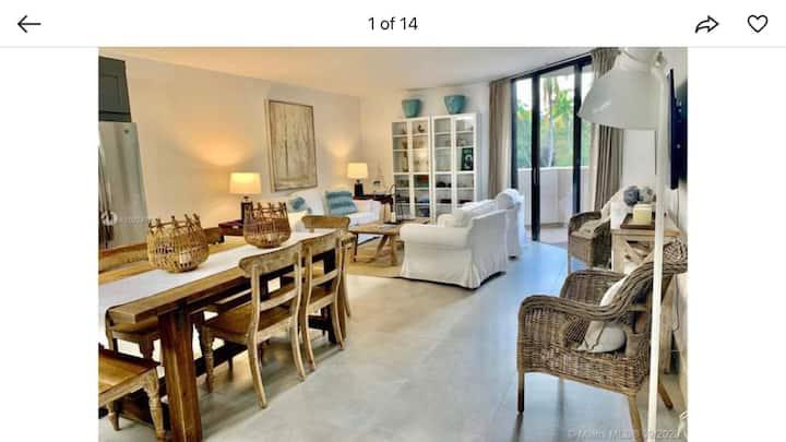 Luxurious Key Biscayne 3BR/3BA beachfront  complex