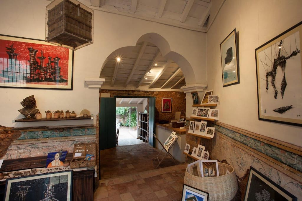 Art Gallery in the entrance