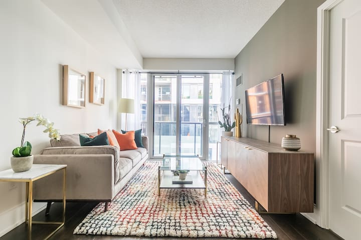 Charming Designer Home, Heart of Trendy King West