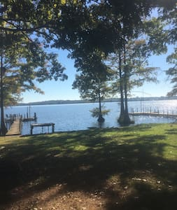 Cozy camper on waterfront lot w/ Amazing View! - Cobb - Τροχόσπιτο
