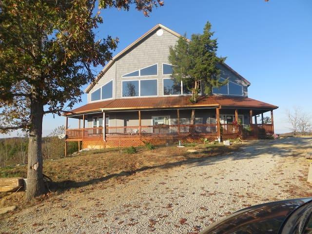 S & T Lodge on Taylorsville Lake &  Bourbon Trail