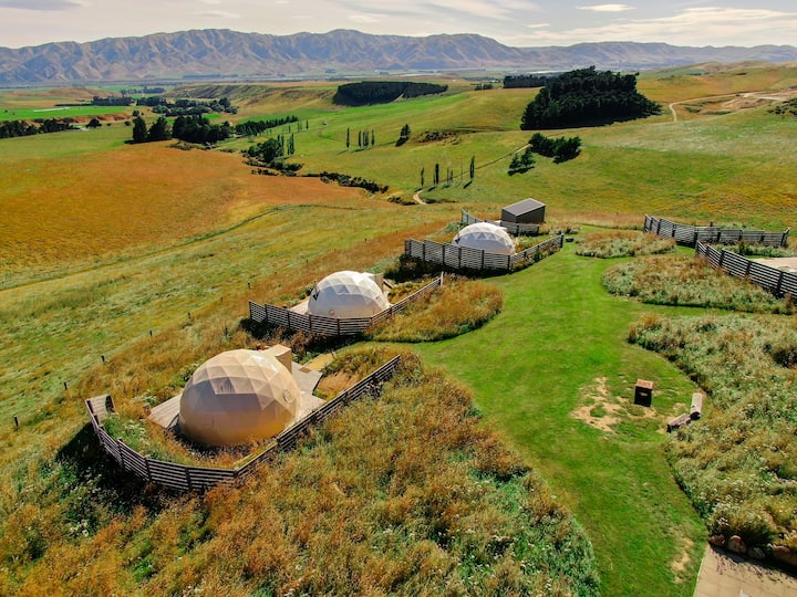 Valley Views Glamping - 'Lone Hill' Geodome Tent