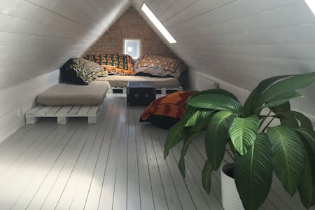 Vindsrum att hyra - Helsingborg - House
