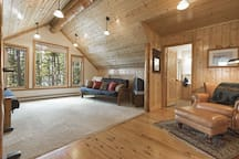 Bunkhouse Room  Not included in this listing - to book please visit https://www.airbnb.com/rooms/35649761