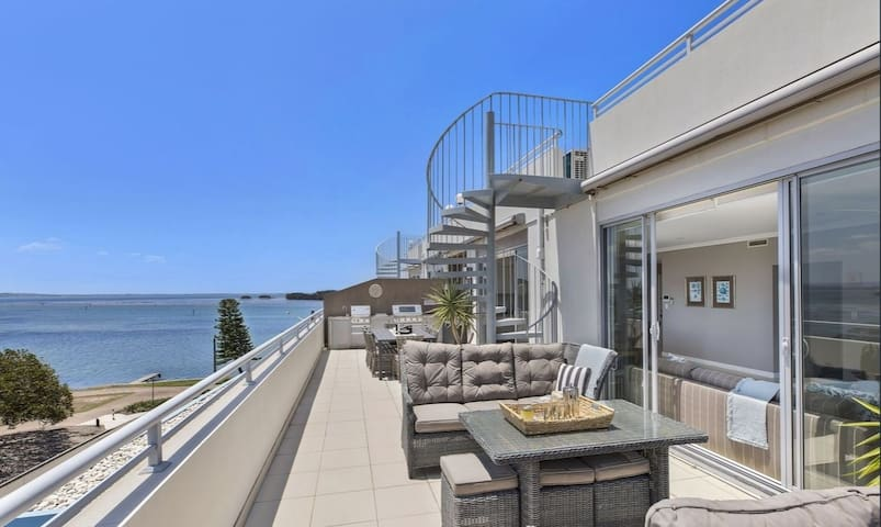 Breathtaking Luxury Penthouse - perfect ISO escape