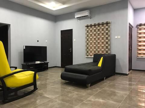 2-BEDROOM SERVICED FUN APARTMENT