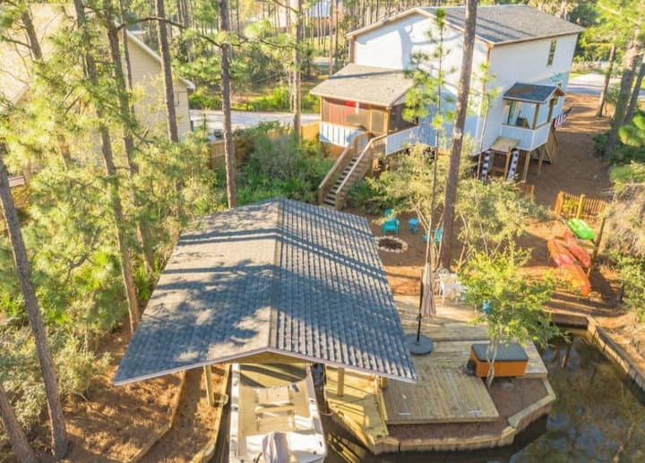 30a Bay Unique Home - 5 mins to beach! Sleeps 10