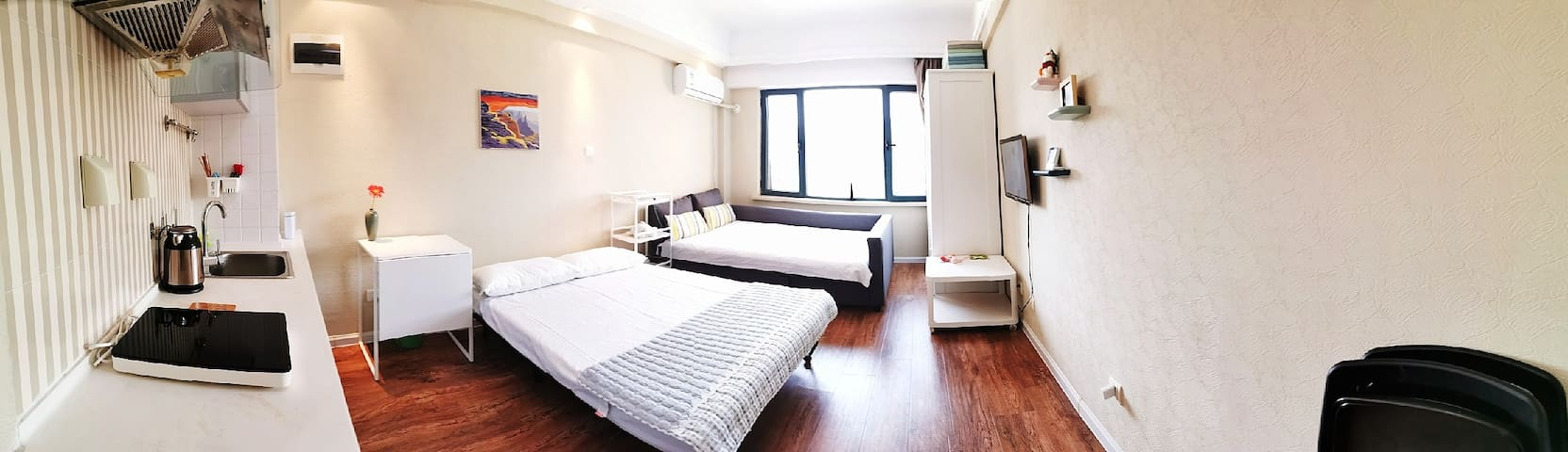 两张床均为宜家产品,舒适环保。