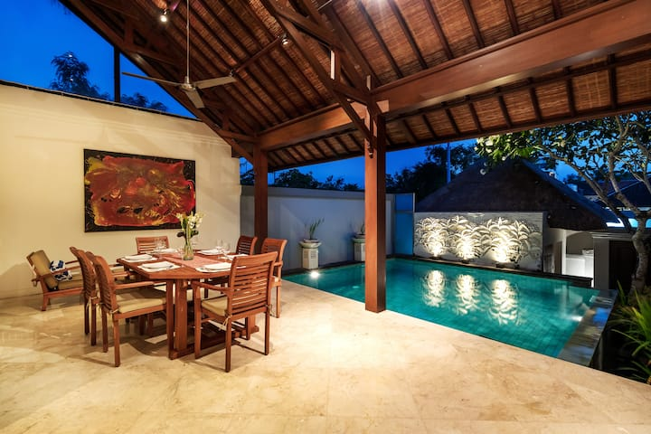 3BR Villa w Private Pool Jimbaran