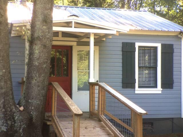 Cynthia's Cottage