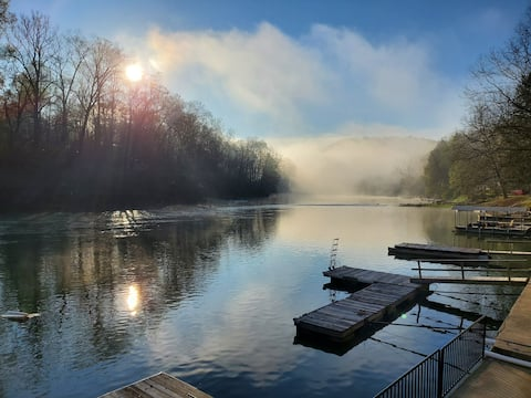 Heather's Haven ~ Unique Cabin on Tygart River ~
