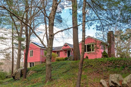 Pink House 2 - Beverly