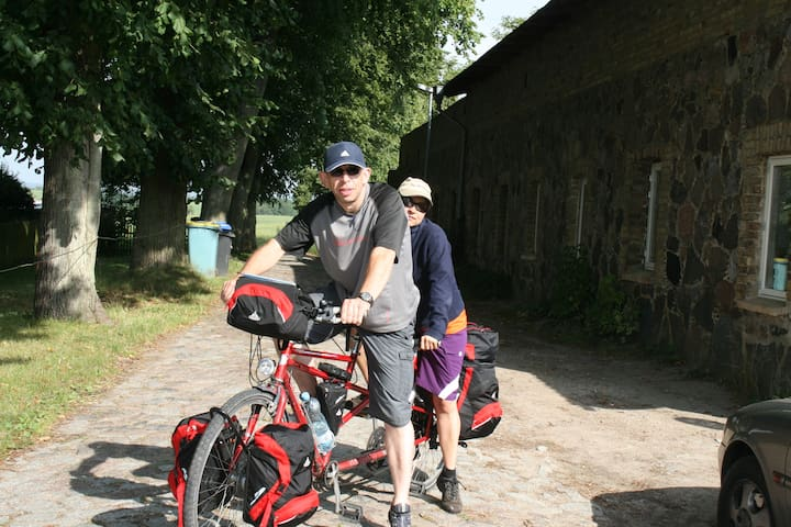 Schlockow liegt in der Nähe des Radwanderweges Berlin-Kopenhagen