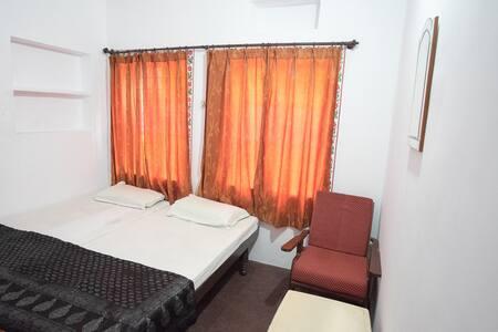 Devi Vilas guest house - Bed & Breakfast
