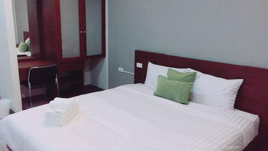 Baanfongjun  room for rent