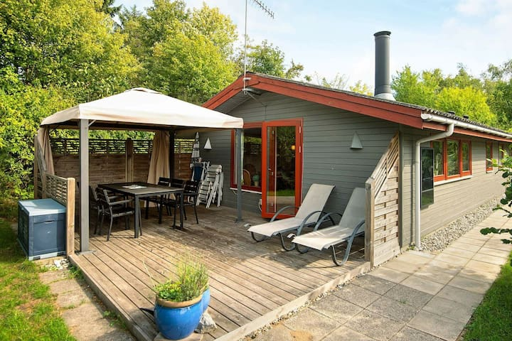 Cozy Holiday Home in Ebeltoft with Terrace