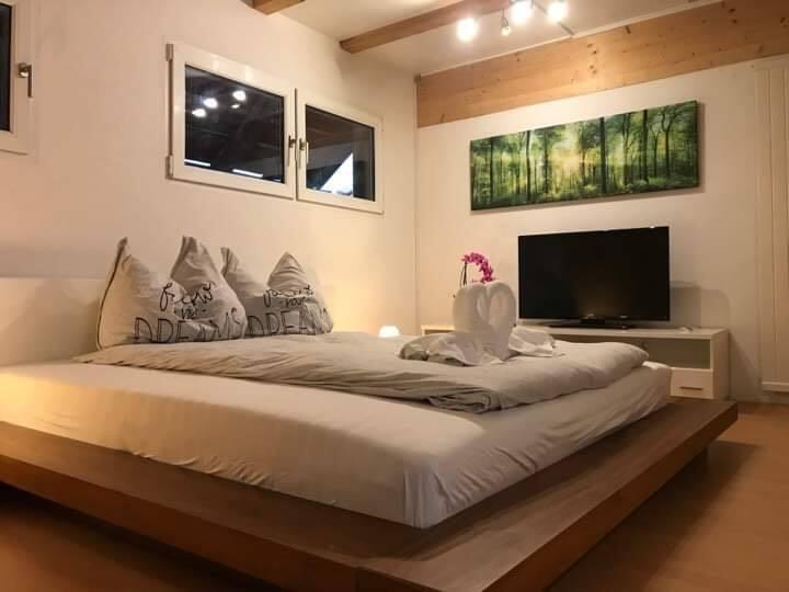 Fai`s  Guesthouse Loft Room