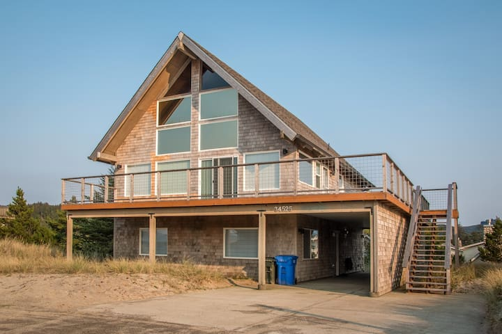 Beach Dreamer #180 - Newly remodeled large family sized home with beautiful views