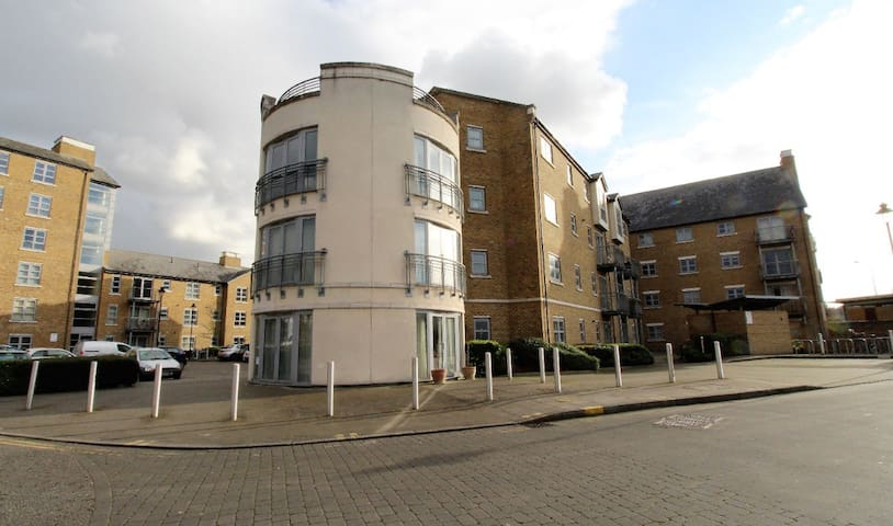 Rotary Way Apartments - Colchester - Wohnung