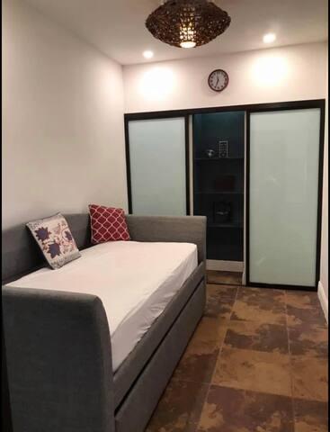 Room/Studio in Upscale Miami-Coral Gables Area