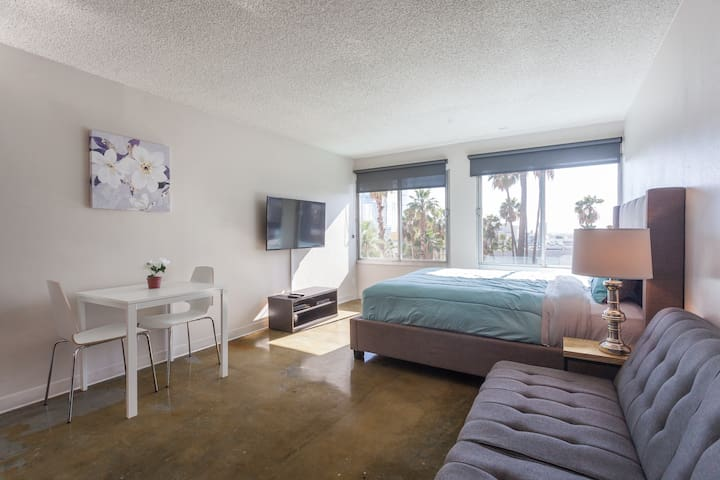 *LOCAL* Convention DTLA Studio 39 - Los Angeles - Apartment