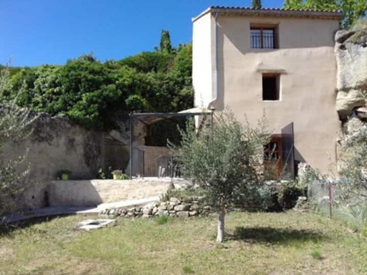 Gîte CARLOTTA en Provence au pied du Mont-Ventoux