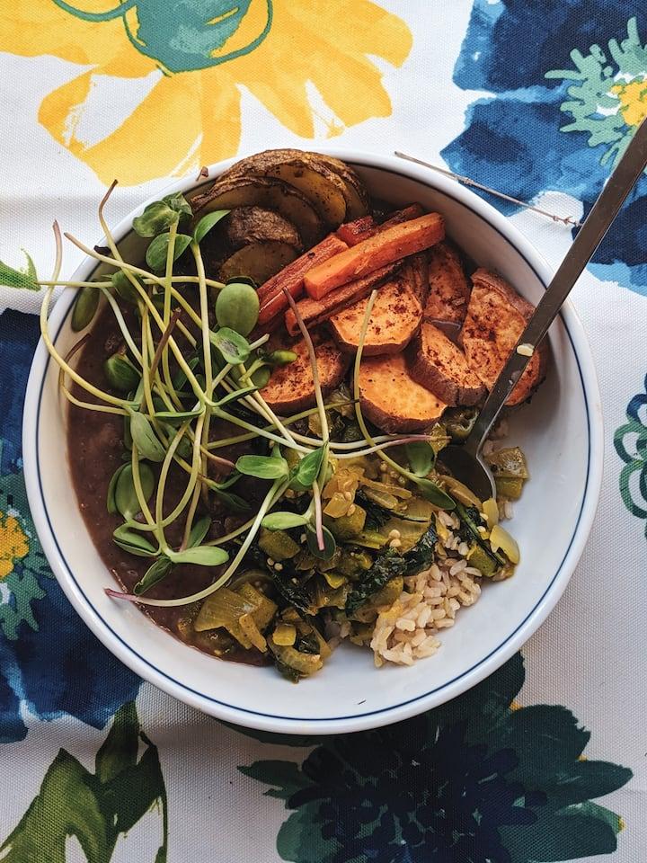 Microgreen, baked buddha bowl.