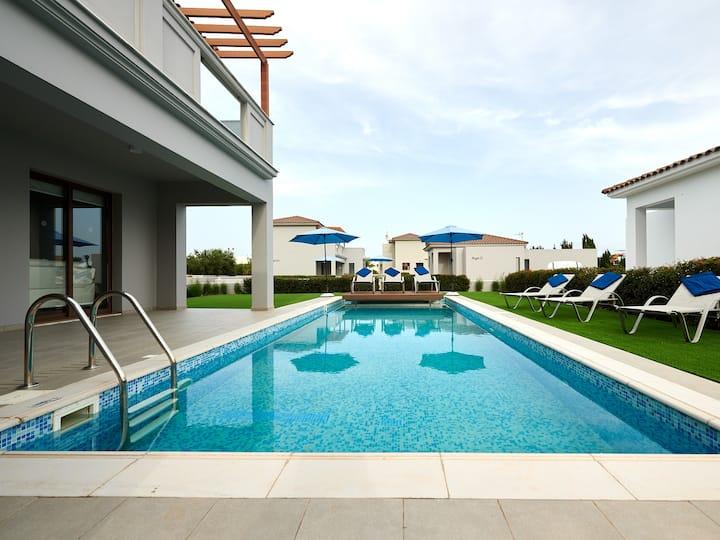 Angie Luxury Beach Villa D5