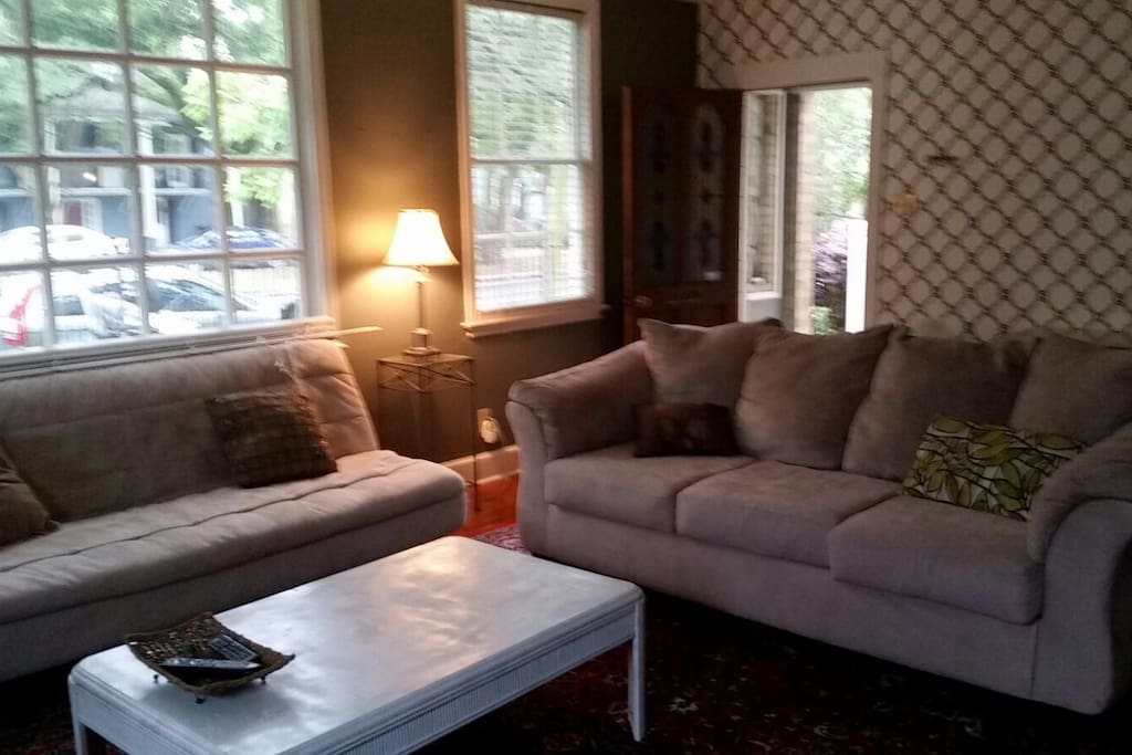Living room to the porch