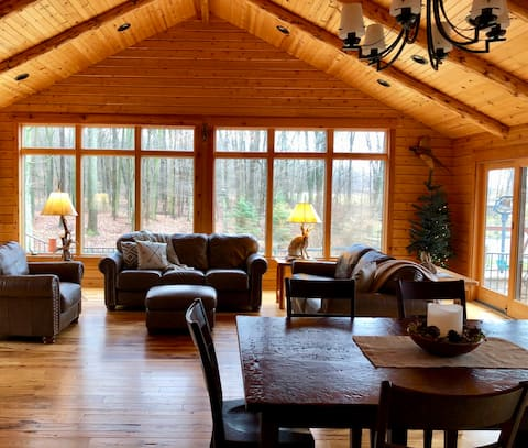 The Cabin at Saltcreek Pond-Relax in the hot tub!