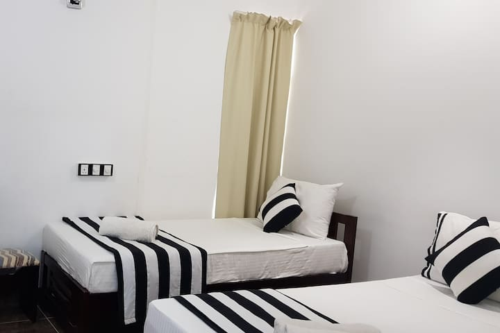 Aura City Hostel