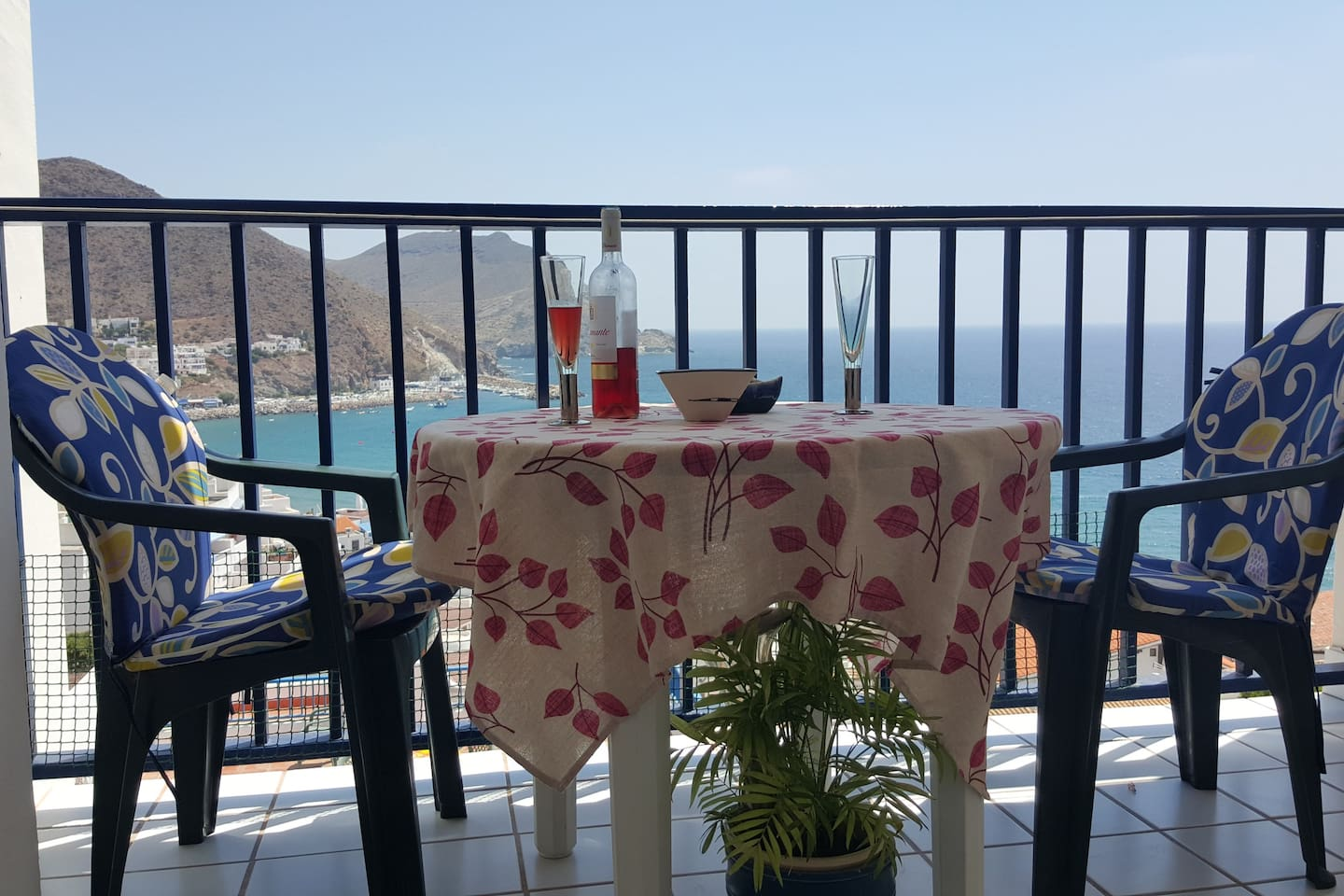 Enjoy an aperitivo with sea view from the balcony.