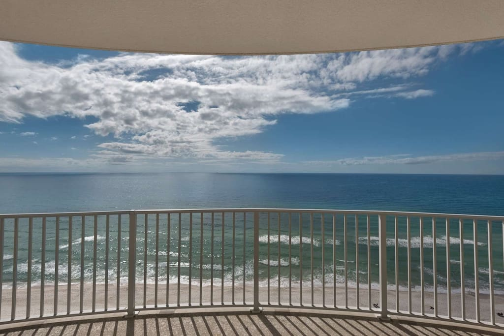 Balcony with a beautiful of the Gulf of Mexico.  17th Floor!