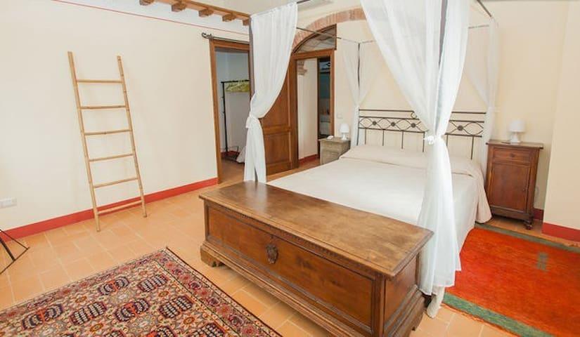 2 bedroom Umbrian apartment & pool - Paciano - Apartamento