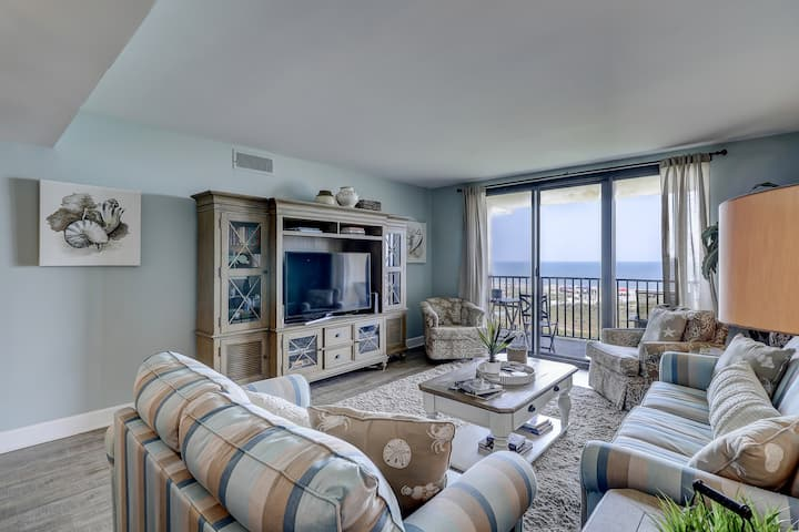 Waterfront getaway with shared pools, hot tub, and views of the Atlantic Ocean