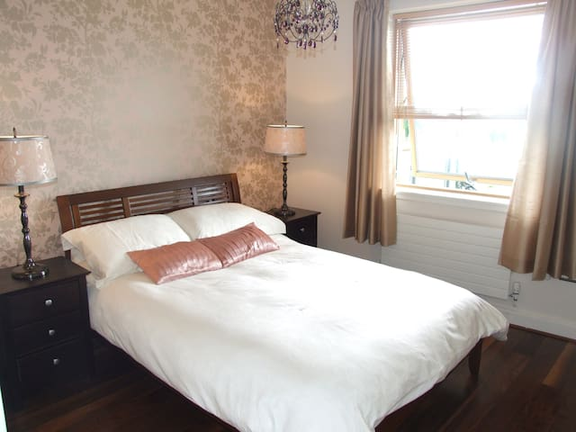 Calm Oasis with Sea Views - Greystones - Apartemen