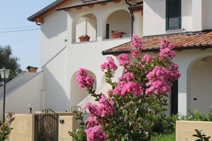 Villa  con giardino   2+1 - Filandari