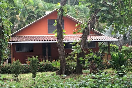 Beach House in Carate - adjacent to Corcovado Park