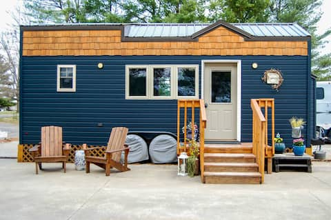 Rustica Retreat Tiny House - Private, Free Parking