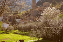 il borgo, la chiesa