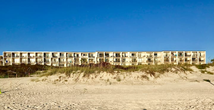 Cozy Seaside Condo w/ Ocean Views - Pets Allowed!