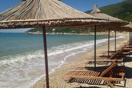 Amaizing studio in crystal sea - Vlorë