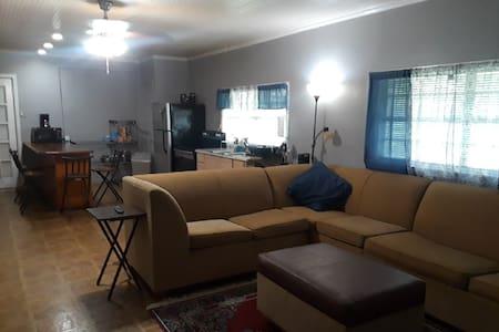 VBG House RoB*Roseland Dr 2 Bedrooms (Back Duplex)