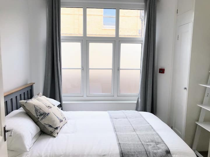 Charming 2 bed apartment