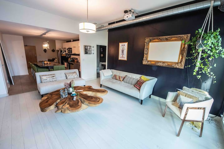Peaceful loft Perfect for Long Term Guest
