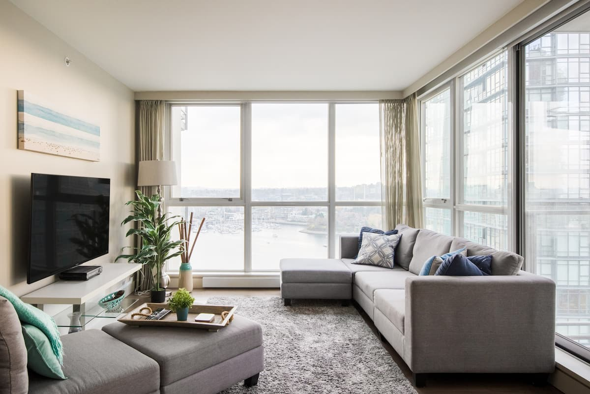 W1 - Waterfront Yaletown Condo with City & Water Views